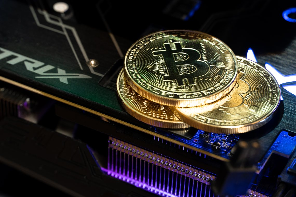 bitcoin-mining:-greenidge-quotata-al-nasdaq