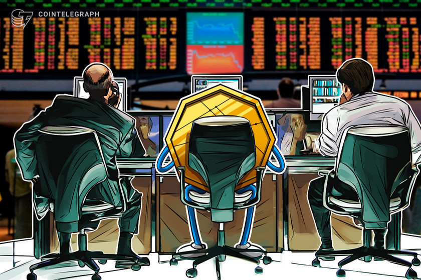 pro-traders-buy-the-bitcoin-price-dip-while-retail-investors-chase-altcoins